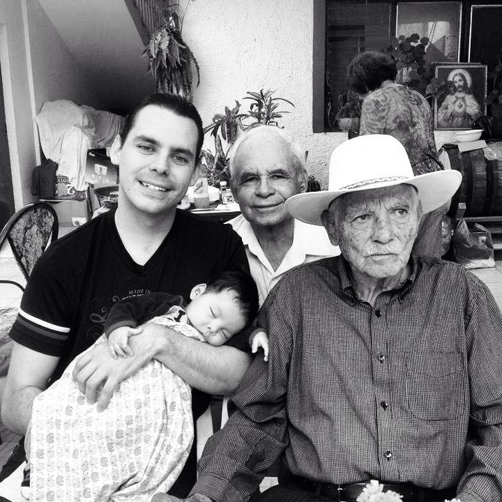 4 generaciones #Abuelo #Hijo #Nieto #Bisnieto   Fotografía ...