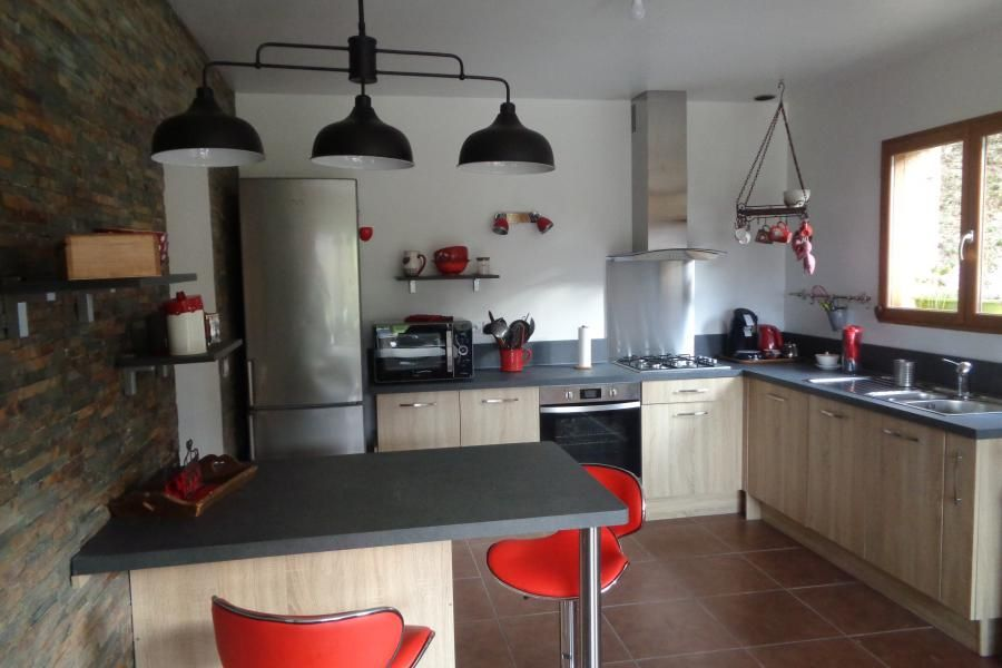 Cuisine client} Une cuisine en bois et plan de travail anthracite - Table De Cuisine Avec Plan De Travail