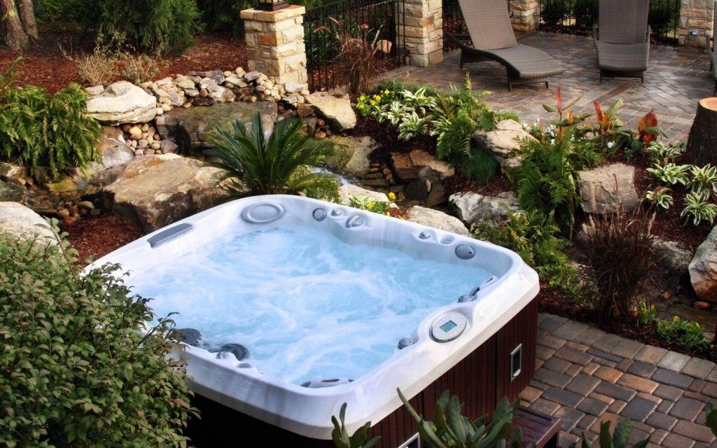 Hot Tubs Long Island Charming : Luxury Small Backyard Hot ...