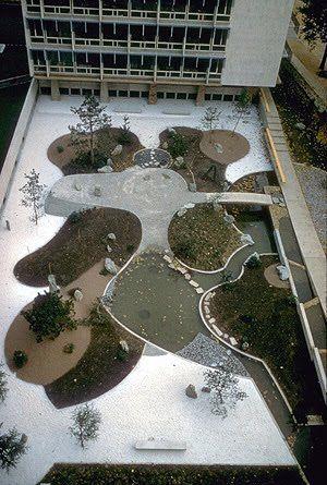 Isamu Noguchi - UNESCO garden, Paris