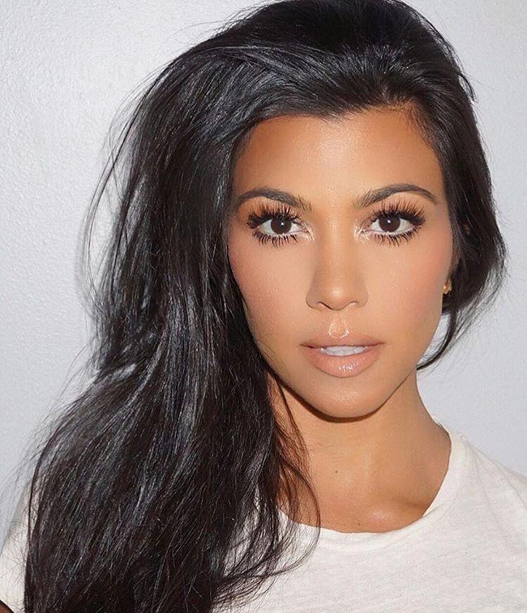 Kourtney Kardashian makeupinspiration. #motd #makeup #makeupoftheday #makeupaddict #kourtneykardashian #fabfashionfix