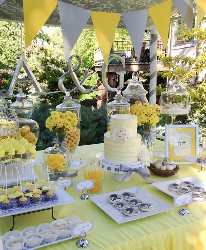 Yellow grey gray garden wedding dessert table supplies ideas party una preciosa fiesta amarillo y gris a lovely yellow and grey party junglespirit