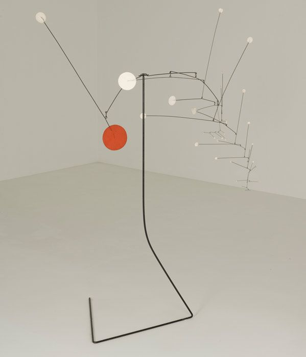 Alexander Calder | Snowflakes and Red Stop, 1964. The Leonard and Ruth Horwich Family Loan. © 2010 Calder Foundation, New York / Artists Rights Society (ARS), New York