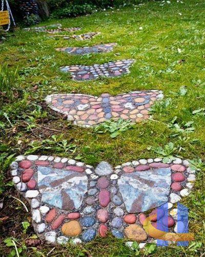 trittsteine schmetterlinge rasen Garten Pinterest
