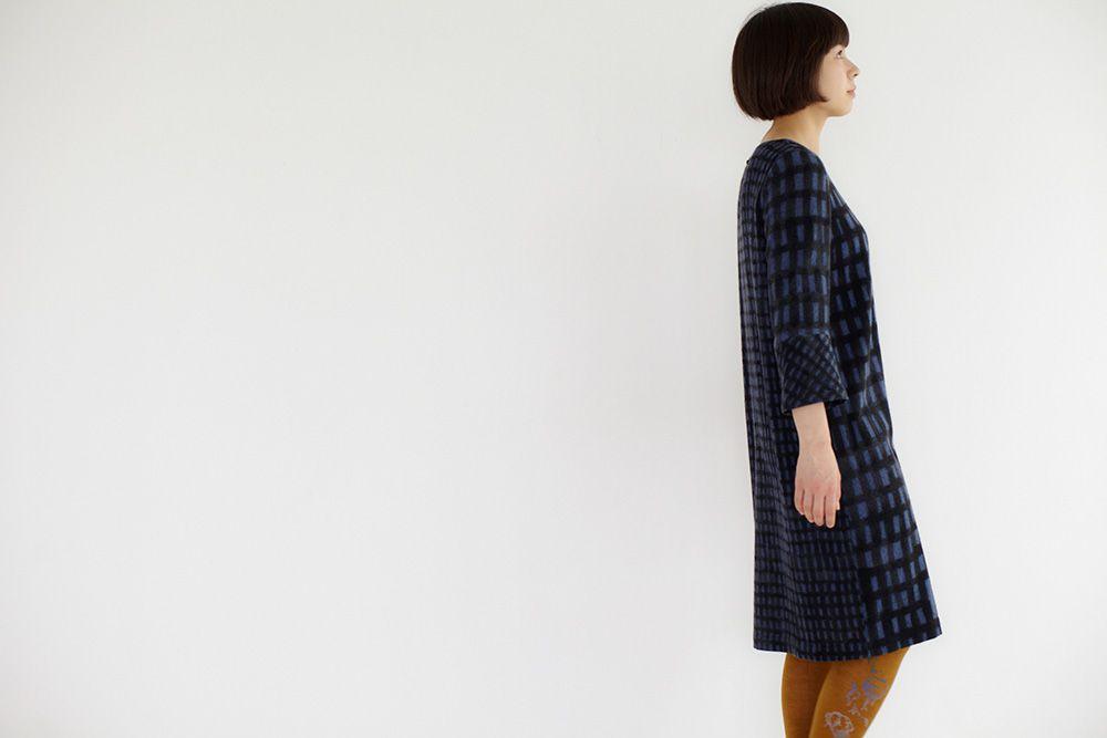ファッションブランド「ミナ ペルホネン」公式サイト。