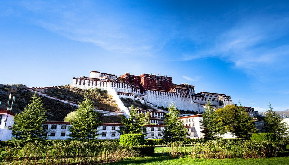 Tibet Plateau has been known as the third pole of the world, the soul of Tibet is hidden in the colorful culture and stunning natural scenery.