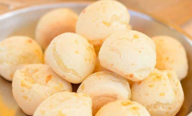 Esta receta de pan de yuca son sencillos de preparar, además que con los pocos ingredientes que incluye rinde para varios panecillos. ¡Toma nota!