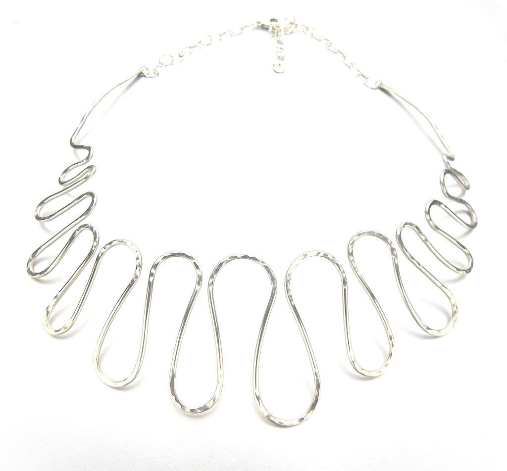 Silver necklace refinement wave design chic outfits and silver