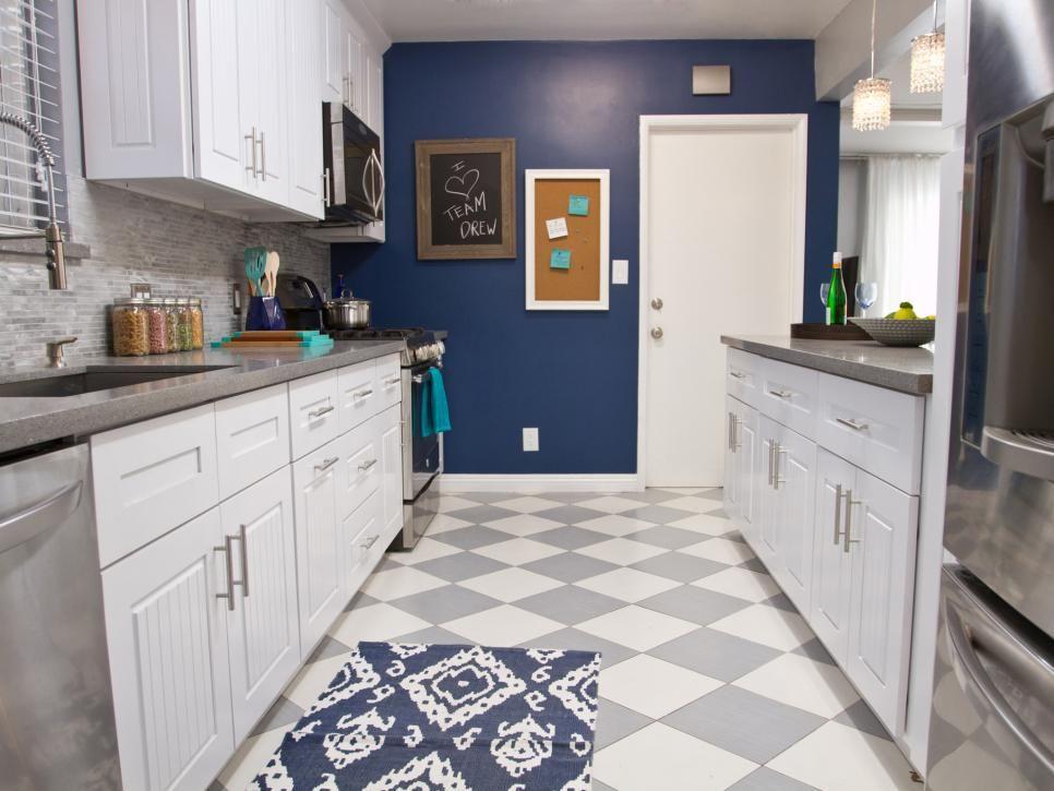 Rooms Viewer | HGTV | kitchen | Pinterest | Gris, Vitrinas y Armada