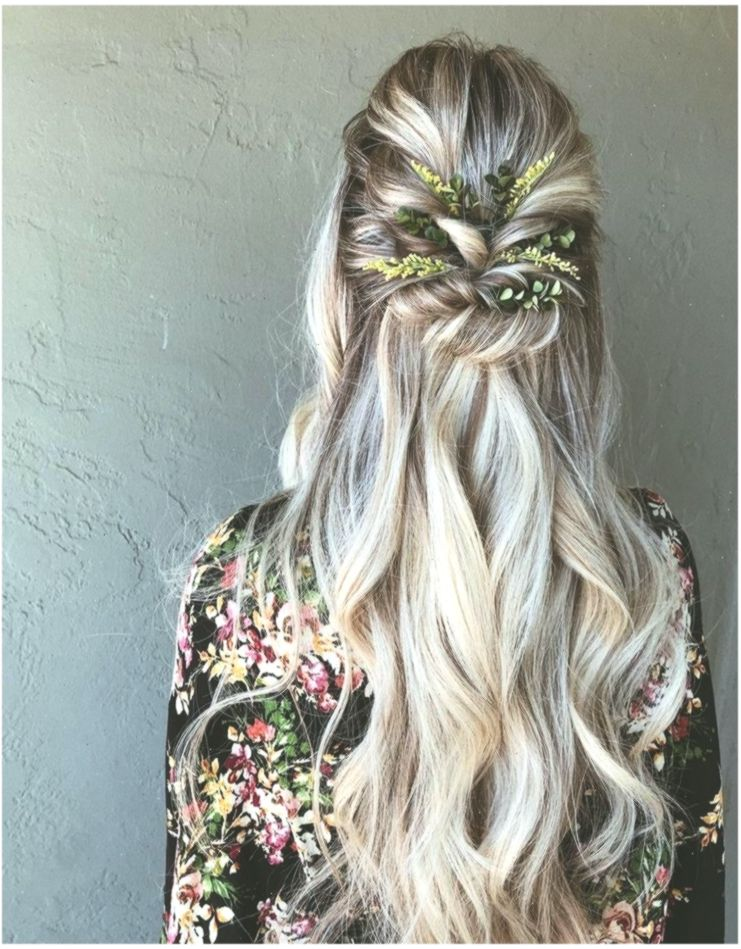 Braids Halb Up Down Frisur Boho Frisur Hochsteckfrisur Hochzeitsfrisuren H Hochzeitsfrisuren Weddinghai Half Up Half Down Hair Hair Styles Boho Hairstyle
