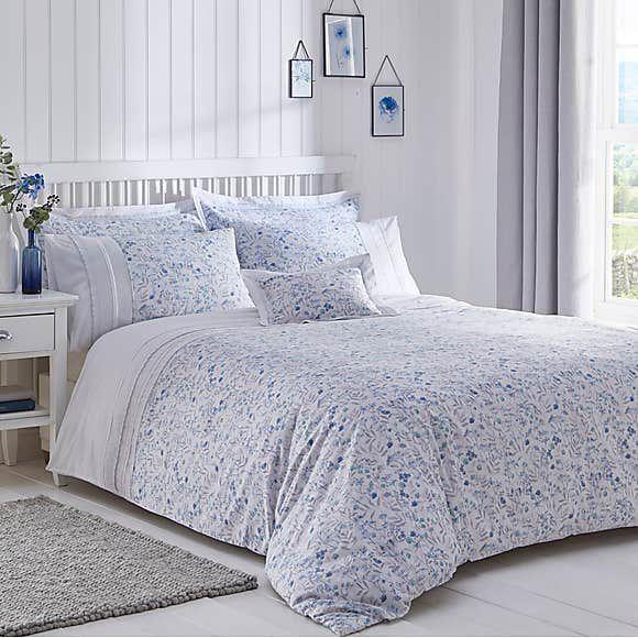Antique Lace Embellished White Duvet Cover And Pillowcase Set In 2020 White Duvet Covers White Duvet Elegant Duvet Covers