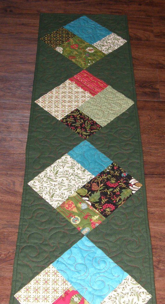 Christmas Quilted Table Runner Christmas Table Runner Quilt Contemporary Chri Quilted Table Runners Christmas Quilted Table Runners Charm Pack Quilt Patterns