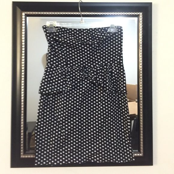 """UO [Kimchee & Blue] B&W polka dot dress SIZE S UO [Kimchee & Blue] B&W polka dot dress SIZE S. I'm about 5'4"""" and this dress hits me on the upper thigh. Mini dress. Cute ruffling on the front and back. Zipper fastener. Will fit a bigger bust Urban Outfitters Dresses Mini"""