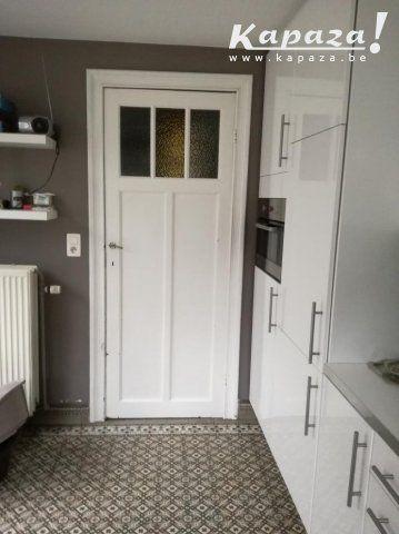 5 portes + chambranles à donner, Portes et fenêtres, Forest | Kapaza.be