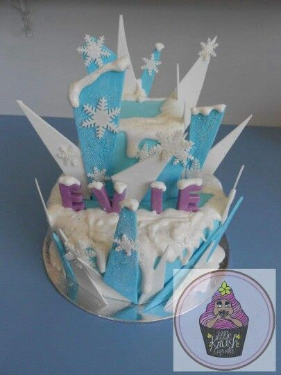 Frozen themed cake @little.krush.cupcakes.nz