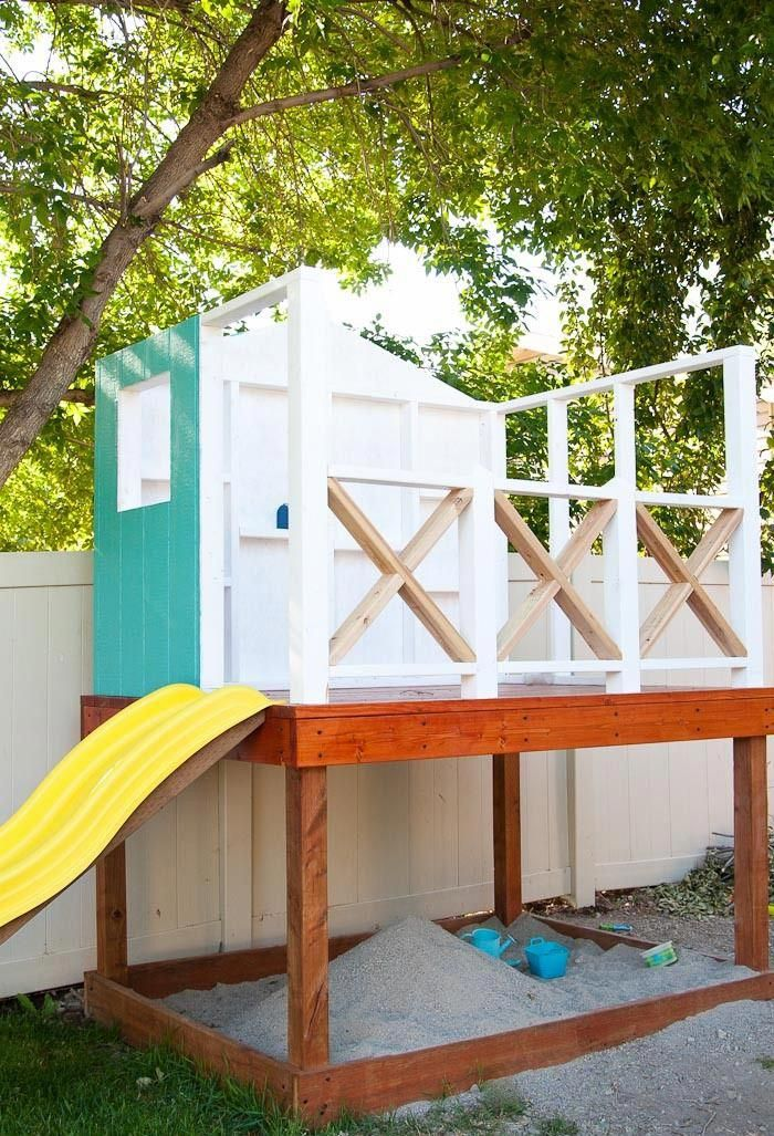Kinderspielhaus auf Stelzen für Kinder mit Rutsche und