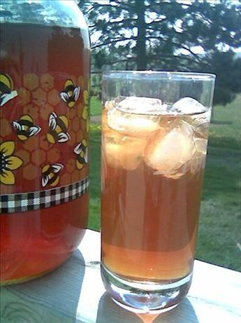 Solar-Powered, Sun-Brewed Iced Tea: Do-it-yourself sun tea!