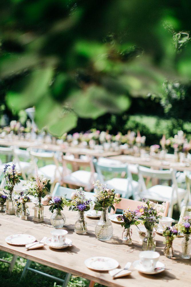 Sommerliche Hochzeit auf dem Land  Nur fr die Romantik  Pinterest  Landhochzeit blumen Blumenstrau hochzeit und Hochzeitsdeko