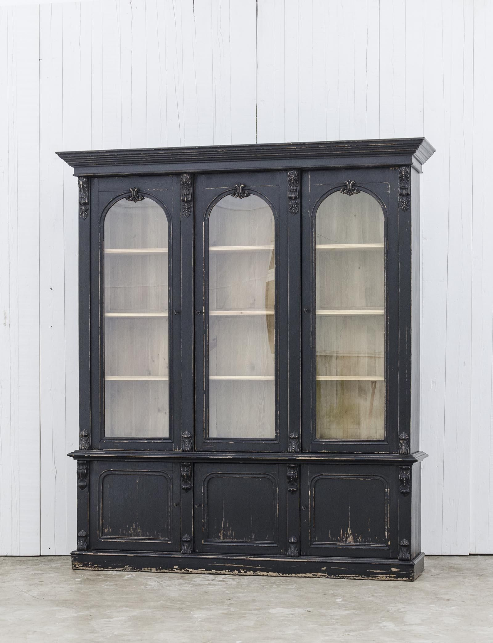 Victoriaanse boekenkast met prachtige kroonlijst - Naar Engels model ...