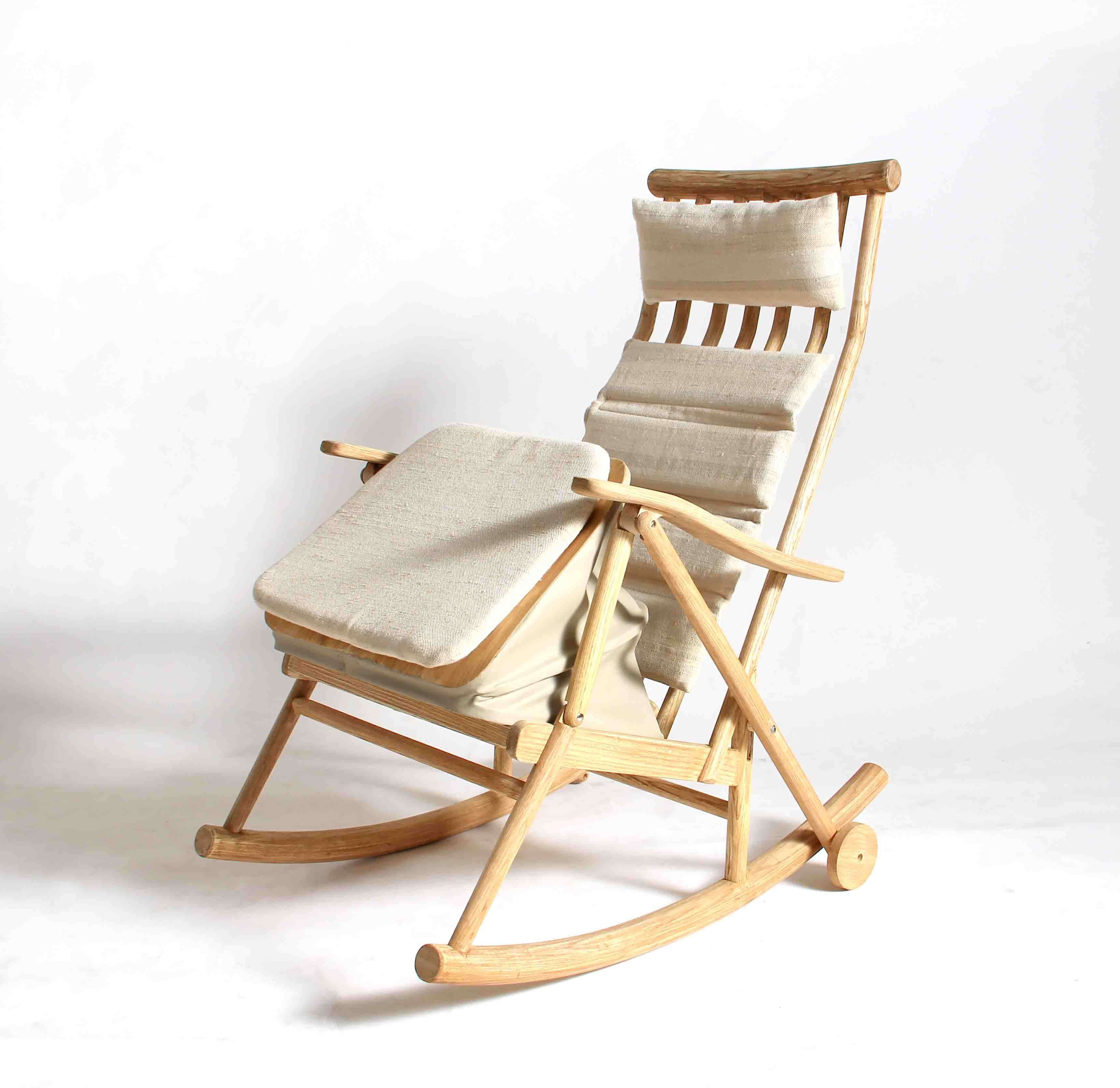 Relaxing Chair Design: Design Of Relaxing Chair For Eldery By Niti Plookvongpanit