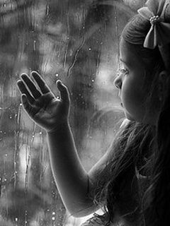 Alone Baby Mobile Wallpaper Baby Wallpaper Childrens Photos Wallpaper