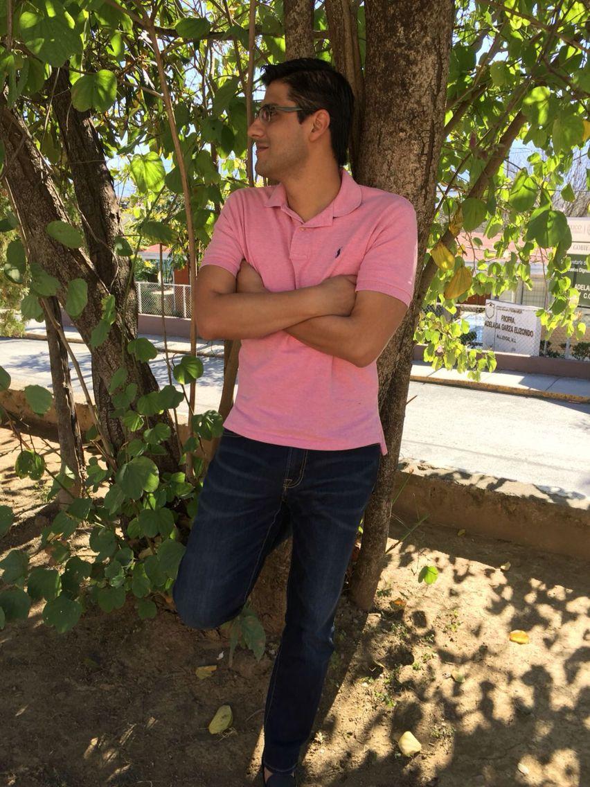 cddca5e01d Camisa rosa con pantalón de mezclilla