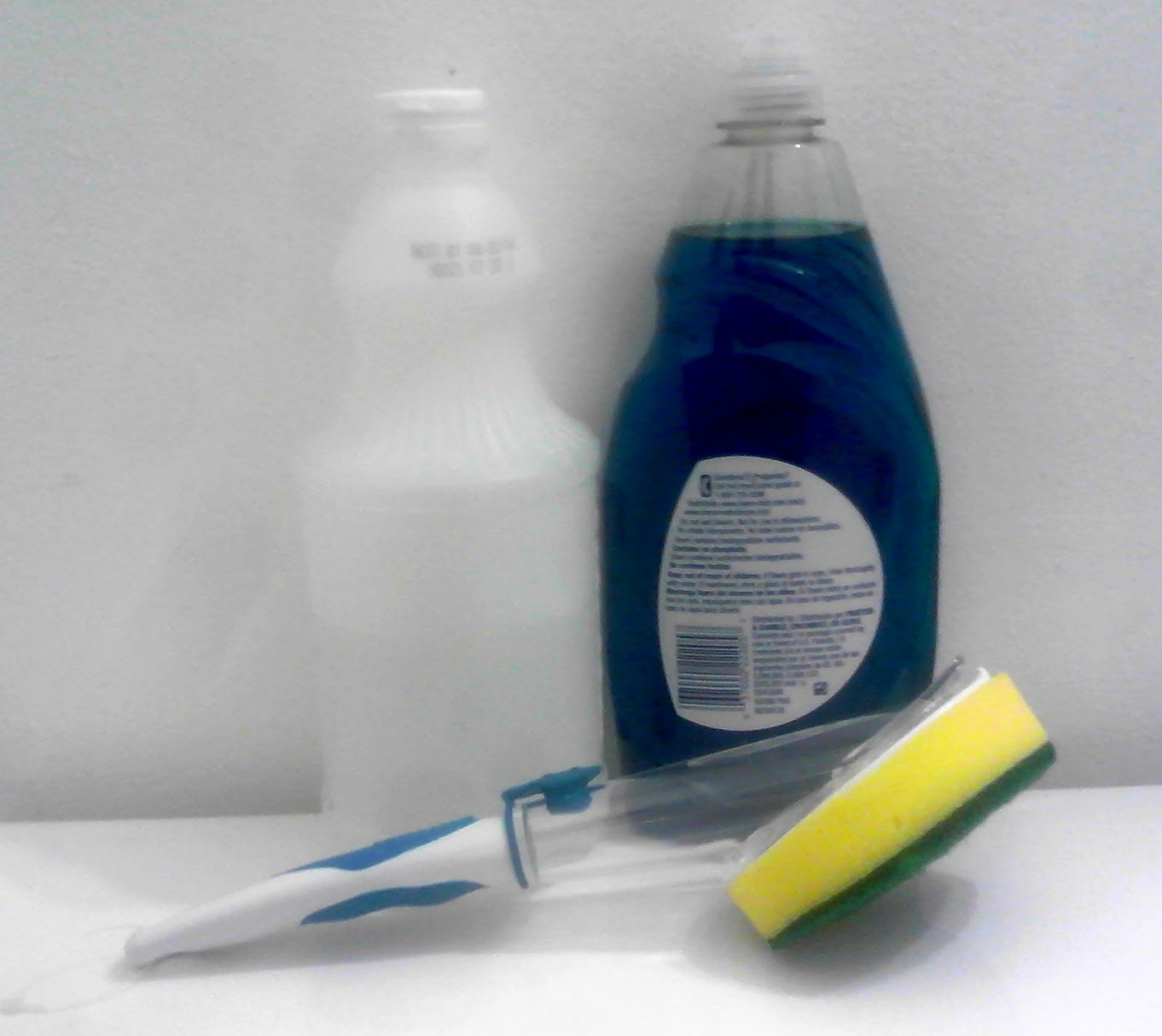 Homemade Mamas Shower Tub Cleaning Wand Half Vinegar Half Dish Soap And Just Clean While