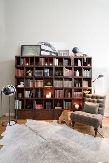 Ooooo beautiful big bookcase
