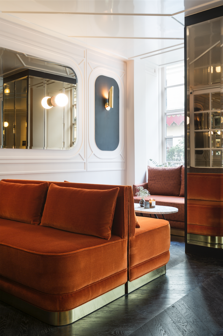 Exotic Hotel Rooms: Studio Simonetti Spells Luxury In A Five Star Hotel In