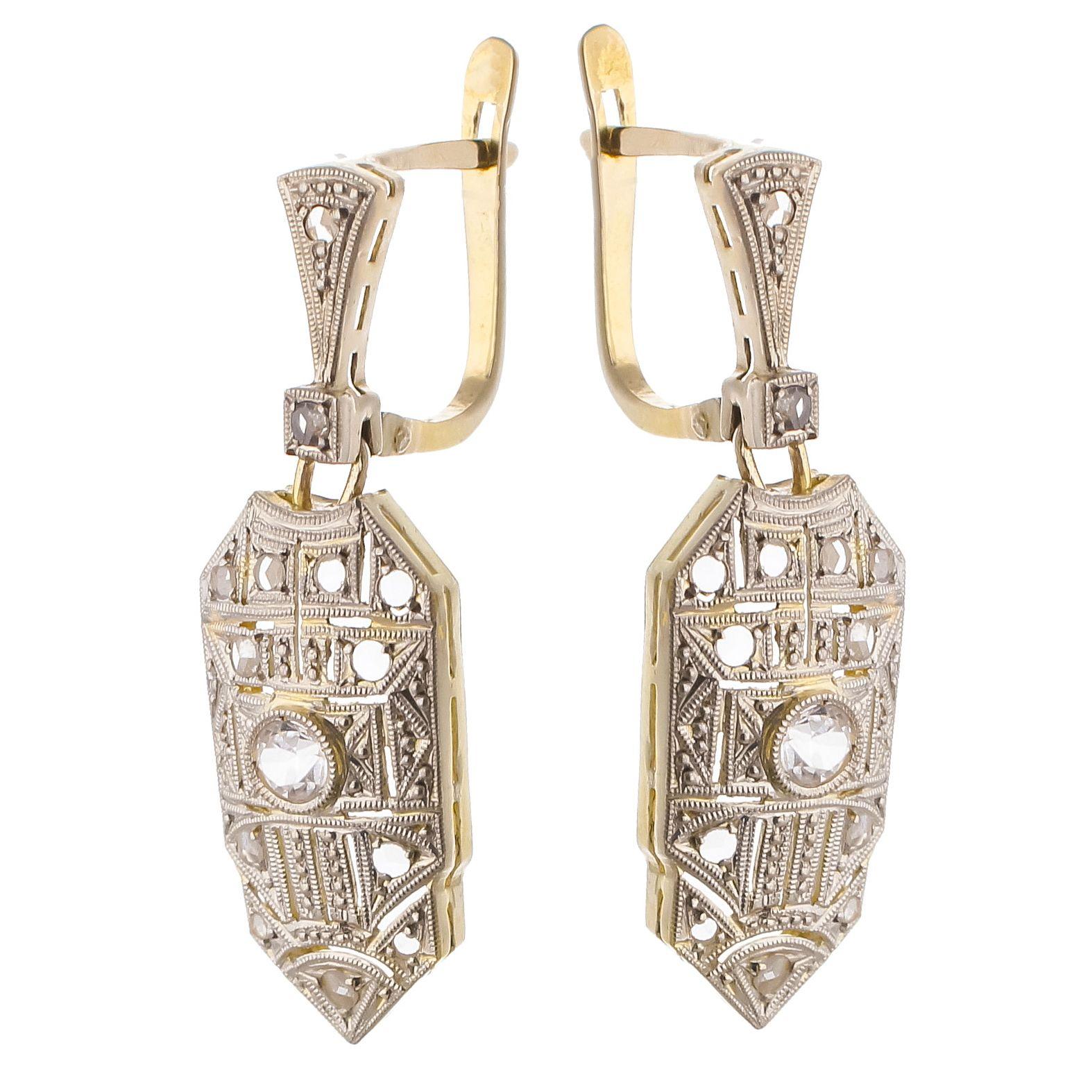 5a937ed34d9e Pendientes Art Deco de oro y platino con zafiros blancos   Joyas Art ...