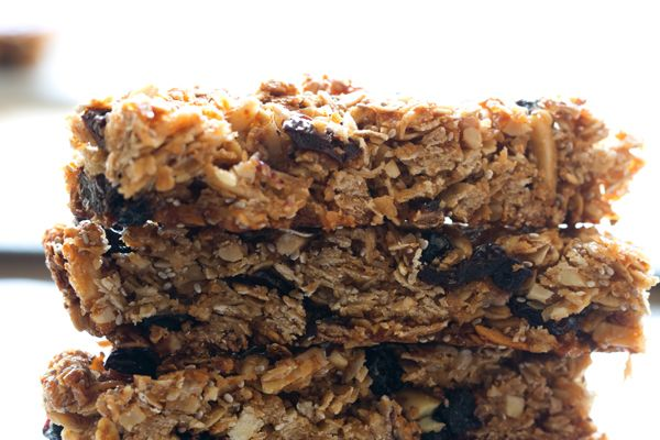 How To Make Homemade (Healthy) Granola Bars #Refinery29