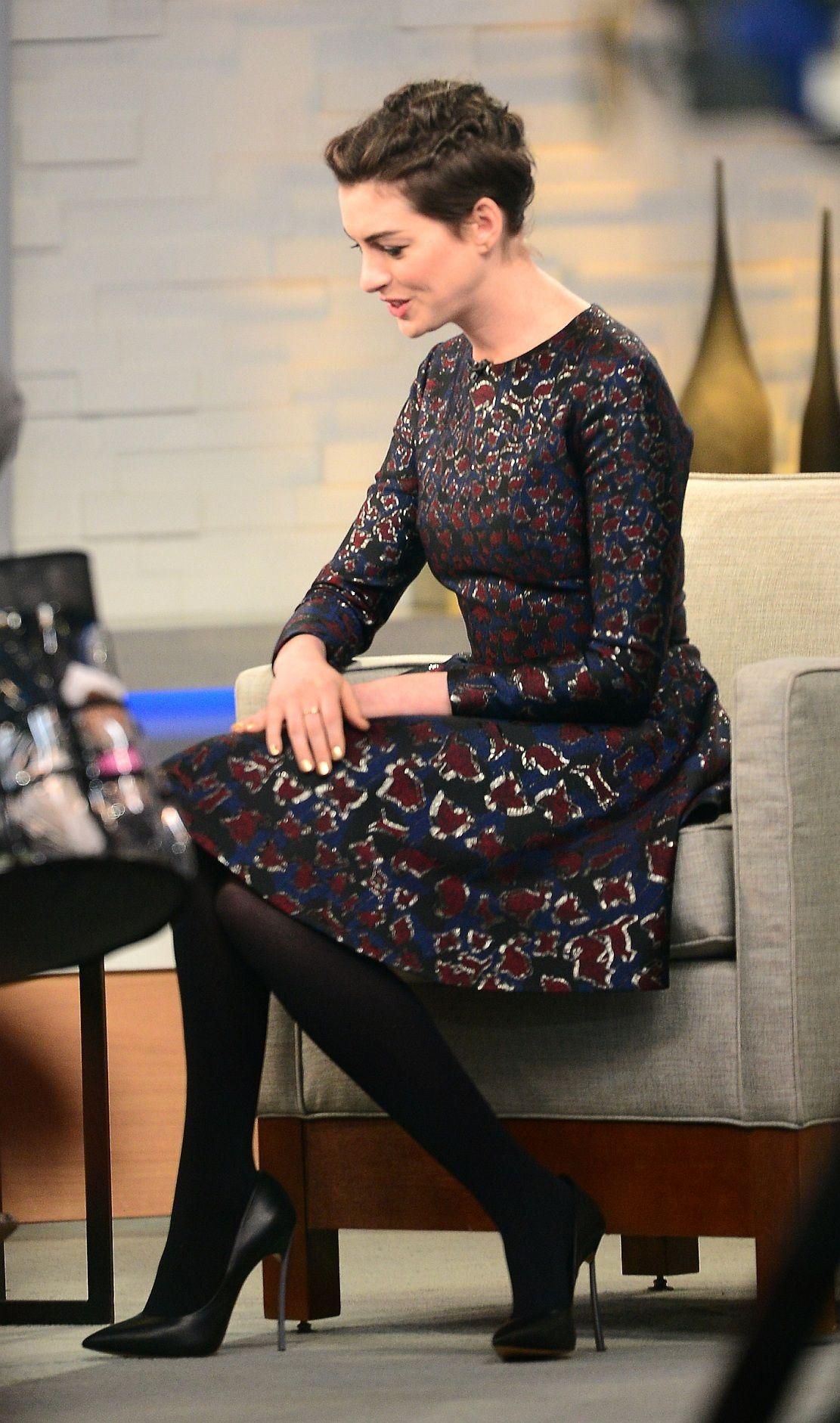 Anne Hathaway in Leggings Out in Brooklyn - August 2014