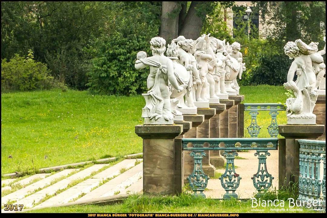 Schlosspark Charlottenburg - Putten am Karpfenteich (August 2017) #Charlottenburg #Berlin #Deutschland #Germany #SchlossparkCharlottenburg #biancabuergerphotography #igersgermany #igersberlin #IG_Deutschland #IG_berlincity #ig_germany #shootcamp #pickmotion #berlinbreeze #diewocheaufinstagram #berlingram #visit_berlin #canon #canondeutschland #EOS5DMarkIII #5Diii #statue #Sightseeing #Park