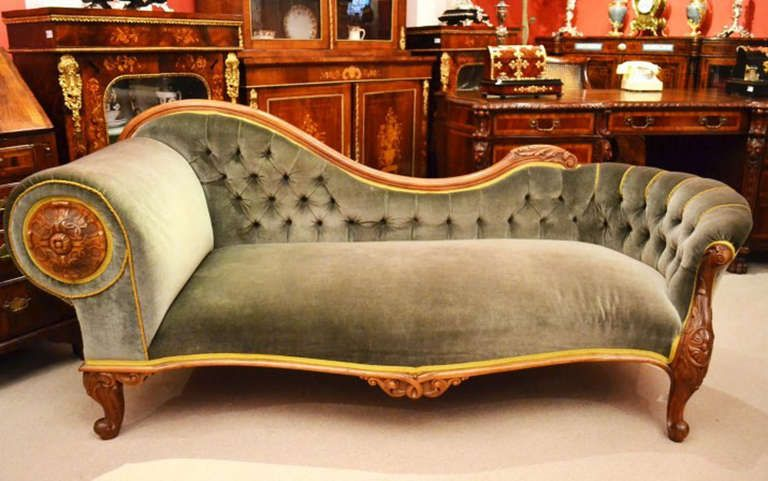 Antique Victorian French Walnut Chaise Longue C.1860