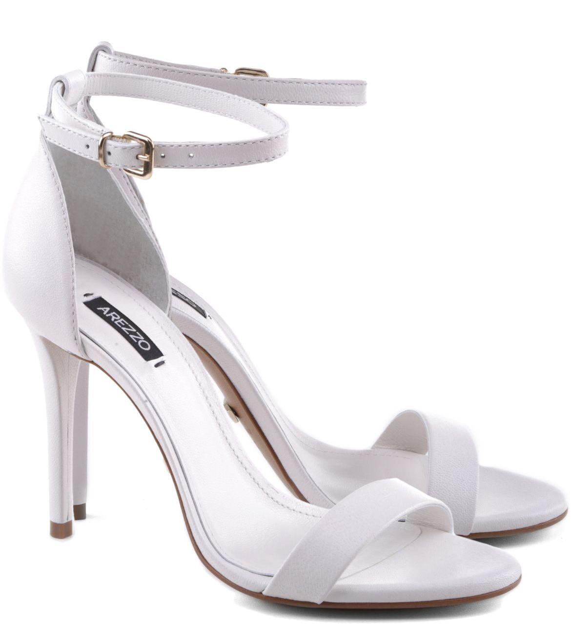 a8c114496 Sandália Isabelli Couro Branca | Arezzo | รองเท้าที่ชอบ | Saltos ...