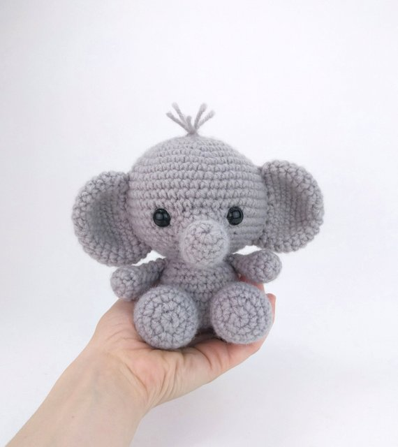 PATTERN: Ellis the Elephant - crochet elephant - amigurumi elephant pattern - English, German, Portuguese - PDF crochet pattern
