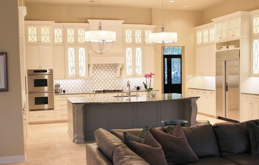 Transitional Kitchen Design. NR Interiors San Antonio, TX.