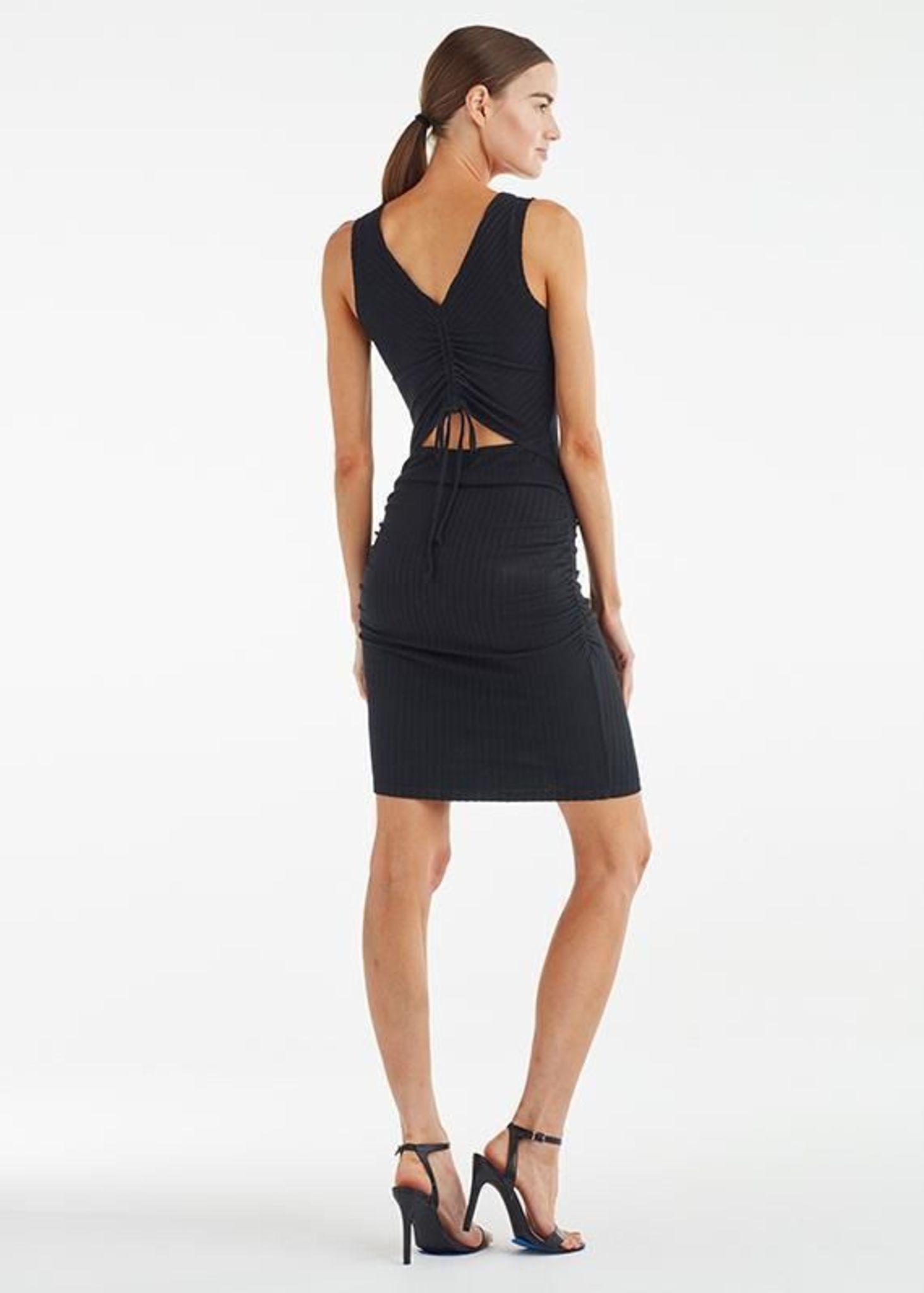Scrunch Back Dress Black Dresses Black Dress Dress Backs [ 2048 x 1463 Pixel ]