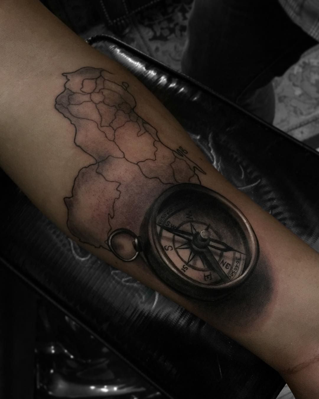 Venezuela Map Compass Arm Tattoos Tatuaje De Venezuela