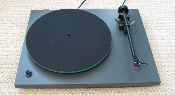 the 8 best vintage turntables and what to look out for when buying second hand everything. Black Bedroom Furniture Sets. Home Design Ideas
