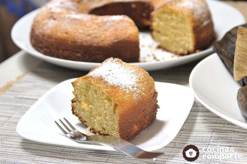 Un pastel fácil de preparar, además de sabroso, le saca del apuro en esas tardes de antojo. Este pastel de licuadora lo aprendí desde niña, mi hermana me la enseño.