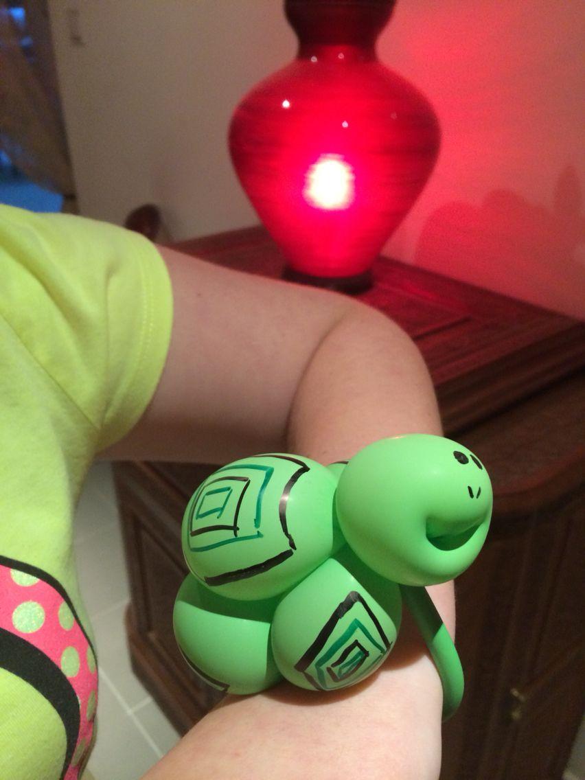 Balloon turtle bracelet