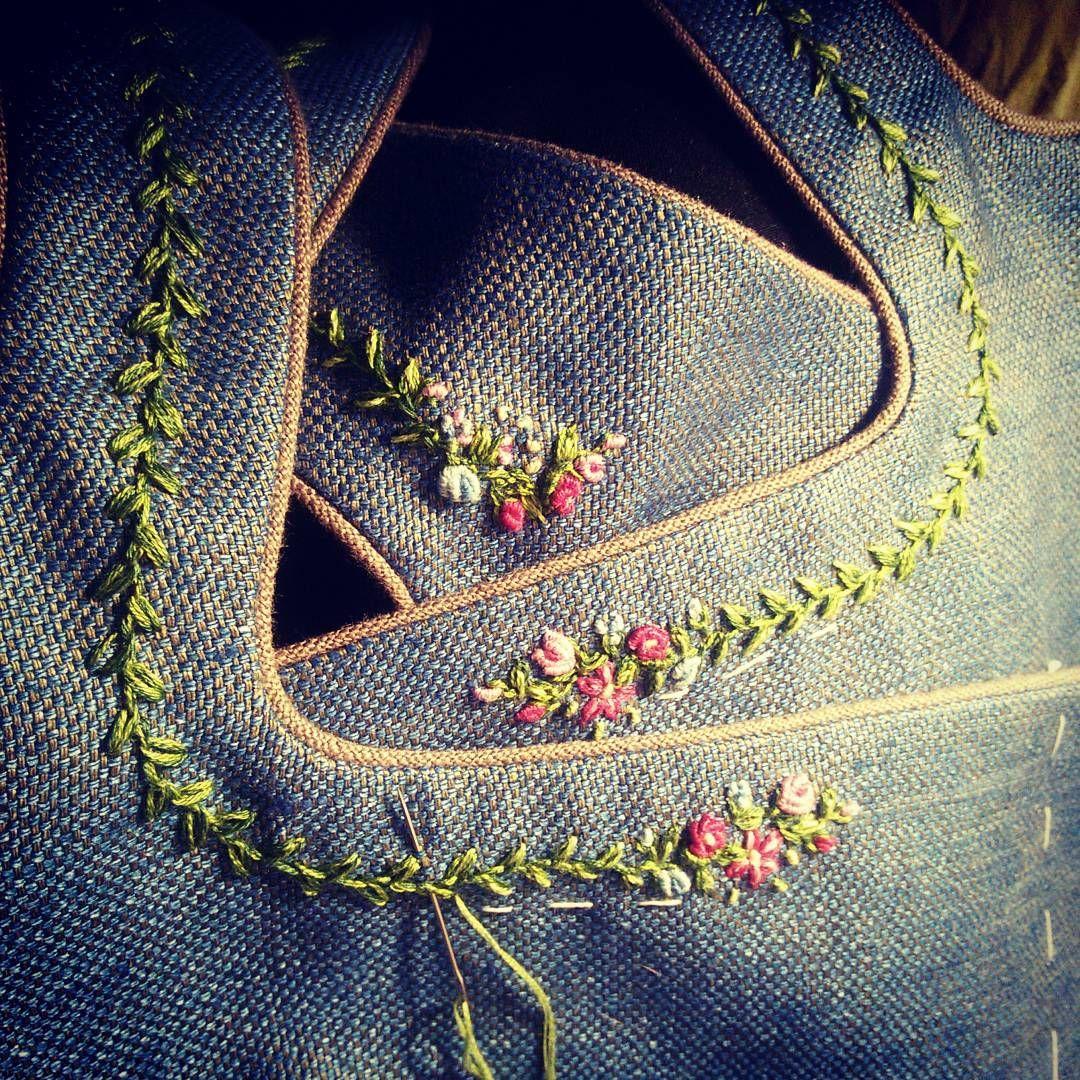 """Photo of Kammersenger auf Instagram: """"#neuesausmeinerwerkstatt #embroidery #stickerei #handcraft #handcrafted #handarbeit #fashion #fashionillustrator #mode #dirndl # traditional …"""""""