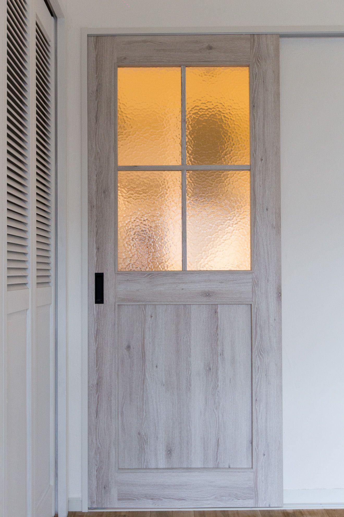 白い扉がナチュラル感を出して落ち着く空間です リノベーション 横浜