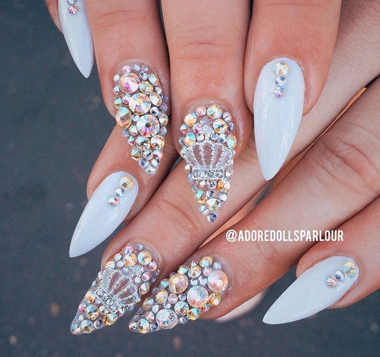 Nails fit for a Queen by @adoredollsparlour   Nail design ...