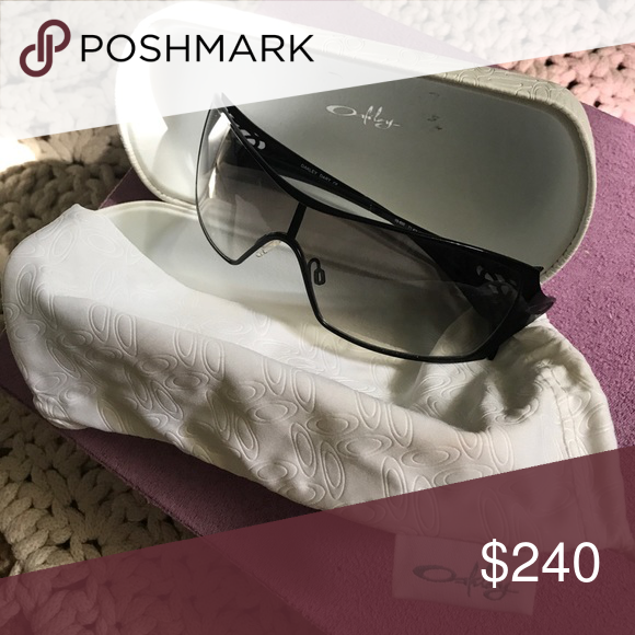 a9219ea467 Sunglasses Oakley Dart Sunglasses 05660. One nose piece is missing  otherwise perfect condition. Can easily be fixed. Includes original box and  dust bag ...