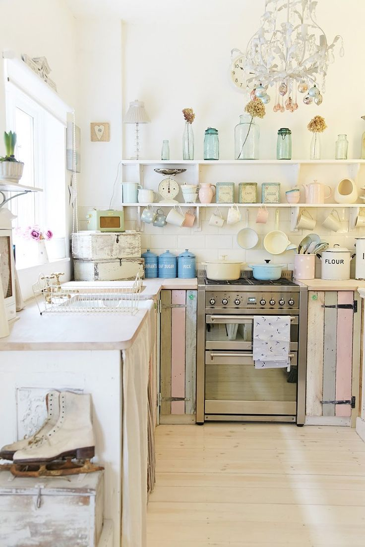 Pastel Home // A Little Vintage Lady Loves... | {glampling ...