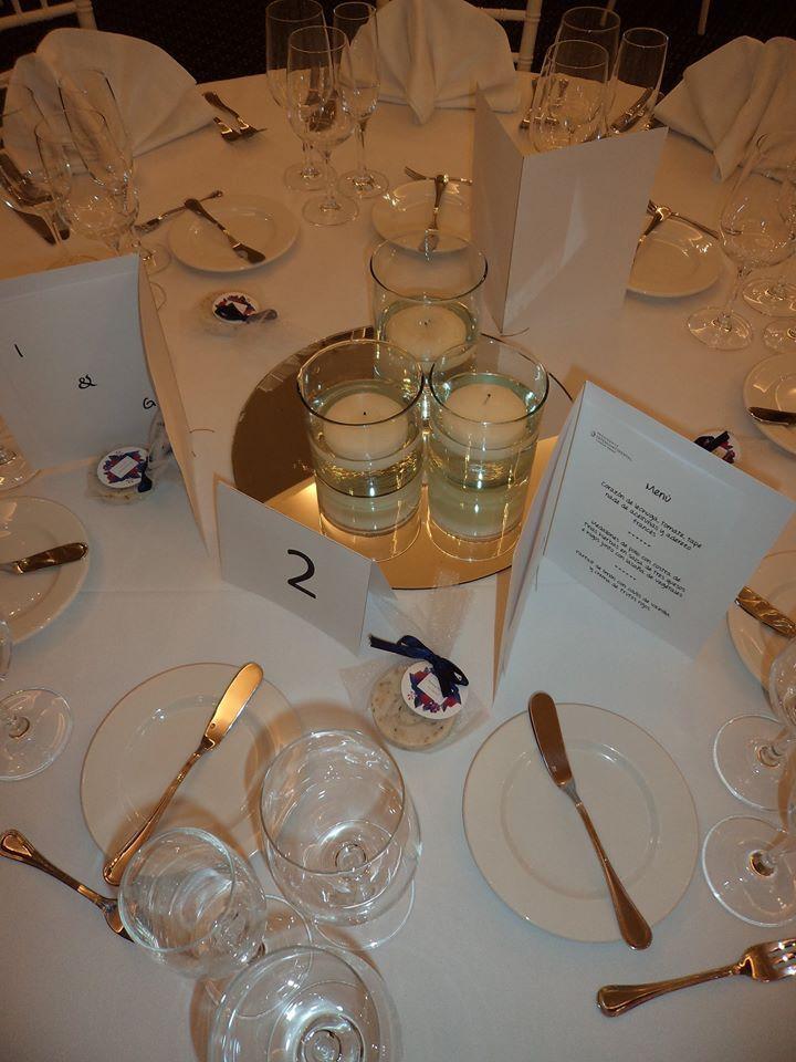 CBC275 Weddings Riviera Maya flotating candles  and mirror centerpieces / centro de mesa con velas  flotantes y espejo