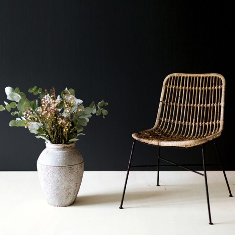 Chaise En Rotin Naturel Pieds Metal Noir Moka Decoclico Chaise Rotin Chaise Salle A Manger Chaise De Bureau Confortable
