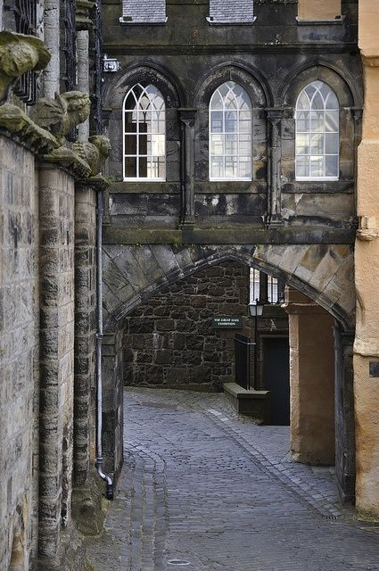 bluepueblo: Stirling Castle, Stirlingshire, Scotland. photo via karen